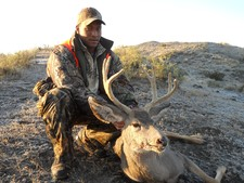 Mule deer hunting in Montana with a hunting guide. Redbone Outfitting is an experienced Montana Hunting Outfitting business.